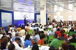 """Participantes del taller sobre """"Gestión de centros de formación, políticas de innovación y asistencias a las PYMES""""."""