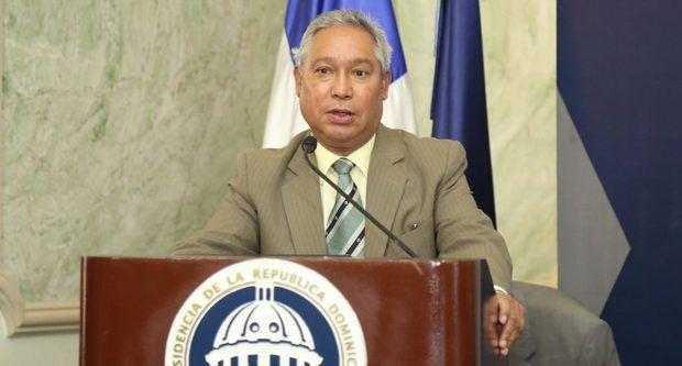 Cancelan al ministro de Economía tras rueda de prensa