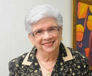 Doña Ivelisse Prats de Pérez.