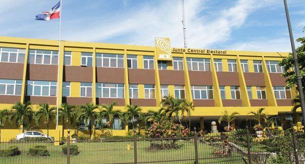Junta Central Electoral (JCE) aprobó hoy el reglamento para el voto del dominicano en el exterior.