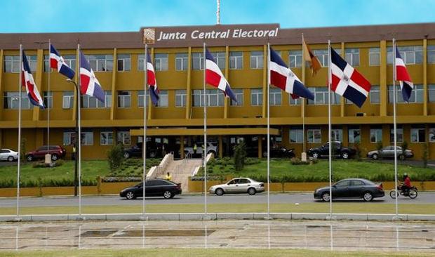 JCE reunirá a los partidos el lunes para tratar sobre el voto en el exterior