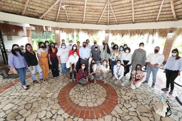 DGCP se reúne con emprendedores y ambientalistas para promover compras sostenibles
