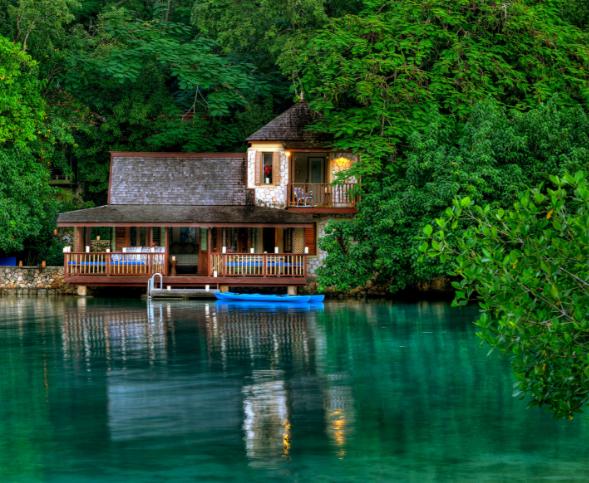 Turismo de bienestar y terapias acuáticas en Jamaica