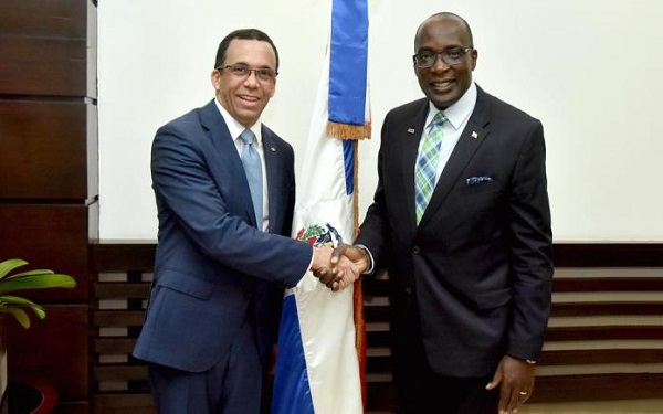 Comisión de Jamaica visita el país para conocer Jornada Escolar Extendida
