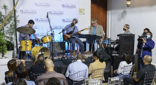 El concierto de jazz en el Centro Cultural Banreservas produjo emociones en un público admirador de la música de los músicos, este pasado viernes 30 de abril.