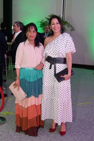 Jenny De Alfonso y Lilith Lebrón.