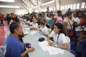 Equipo de 150 médicos ofrece atenciones a 2,500 habitantes de Jimaní en segundo día de jornada La vuelta al Lago.