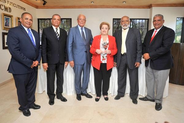 ARS del Colegio Médico Dominicano reconoce a Amadita de González