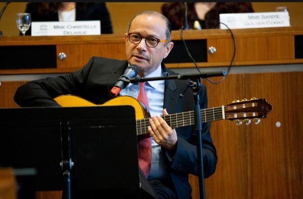 José Antonio  Rodríguez, embajador domincano ante la UNESCO.