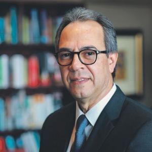 Poeta y ensayista, José Mármol.