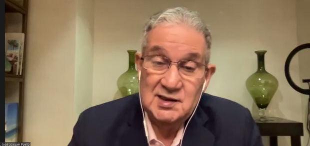 El doctor José Joaquín Puello habló ampliamente anoche en el panel de Cooperativa La Altagracia, al favorecer la tercera dosis contra la pandemia.