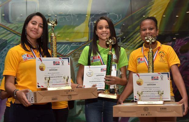 Ministerio de Educación (Minerd) premió a 36 estudiantes ganadores en los concursos de matemática, ortografía y lectura.