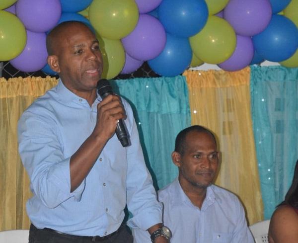 Juan Pérez juramenta Movimiento Juventud y Desarrollo en respaldo a su candidatura