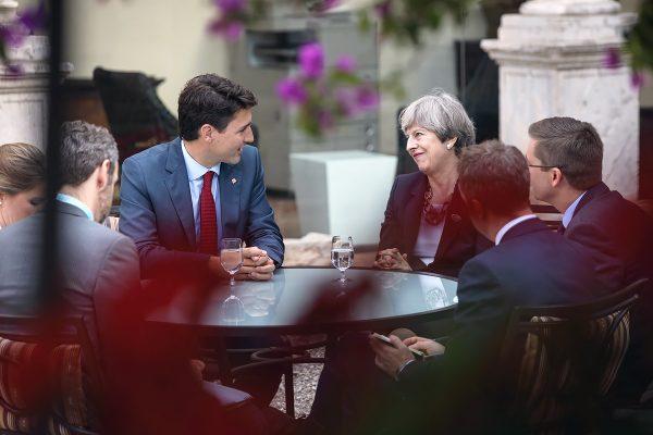 """Canadá y el Reino Unido discuten un acuerdo de libre comercio tras """"brexit"""""""