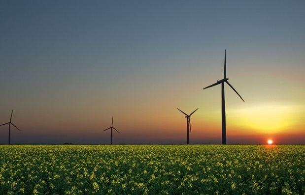 Energía comunitaria para crear empleos verdes, ahorrar energía, y promocionar las renovables