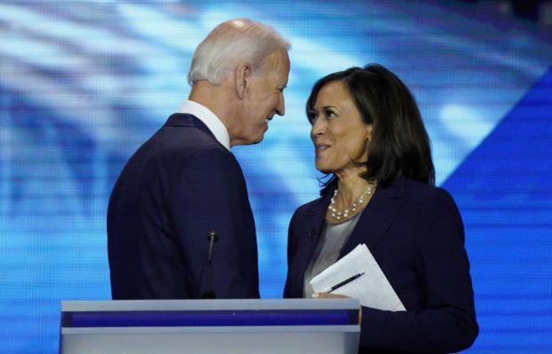 JEl electo presidente de Estados Unidos, Joe Biden junto a la electa vicepresidente,  Kamala Harris.