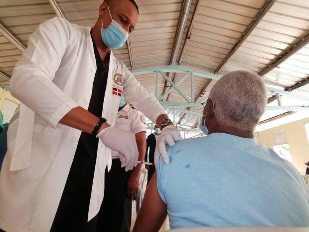 Gabinete de Salud informa el 20% de la población programada en Fase 1 ha sido vacunada