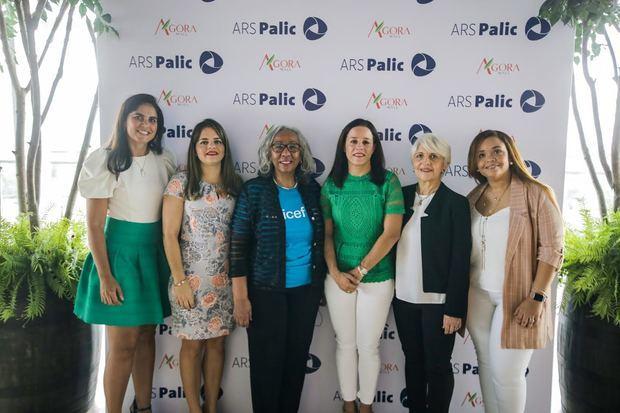 Ellis Pérez, Natacha Quiterio, Cándida Gil, Doris Alburquerque, Elena Conti y Perla Silié.