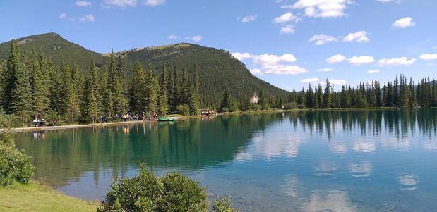 """El lago canadiense """"No me olvides"""""""