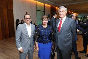 Manuel Matos, Milagros De Los Santos, Juan F. Bancalari.