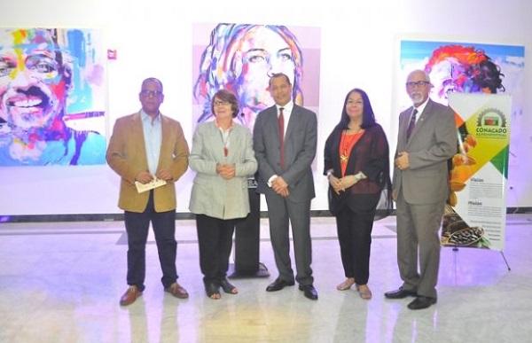 Leo Batista, Marianne de Tolentino, Isidoro de la Rosa, Rosa Tavarez y Oscar Holguin Veras