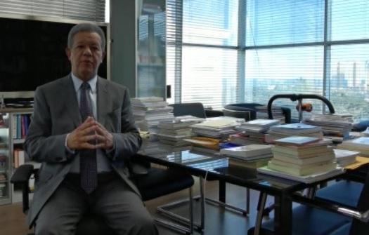 Leonel Fernández en un vídeo difundido por internet el 26 de marzo 2020.