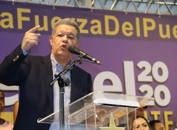 La Fuerza del Pueblo, el nuevo partido político del expresidente Leonel Fernández, recibió 200,000 solicitudes de afiliación en dos días, según informó este miércoles Bautista Rojas Gómez.