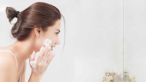 La doctora Raisa Acosta, especialista en el área de dermatología avanzada, compartió una serie de consejos para mantener el adecuado cuidado de la piel desde el hogar.