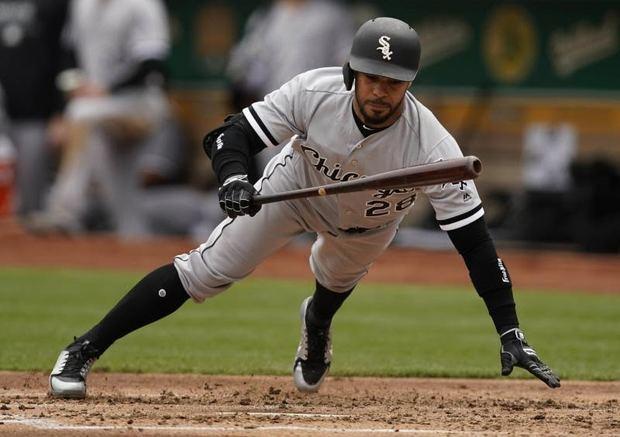 En la imagen, el jugador Leury García de los Medias Blancas de Chicago.