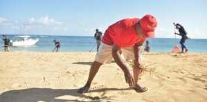 MITUR refuerza limpieza de playas.