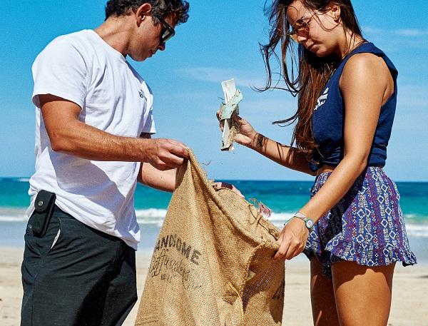 Convocan a voluntarios a jornada de limpieza en Playa Montesinos