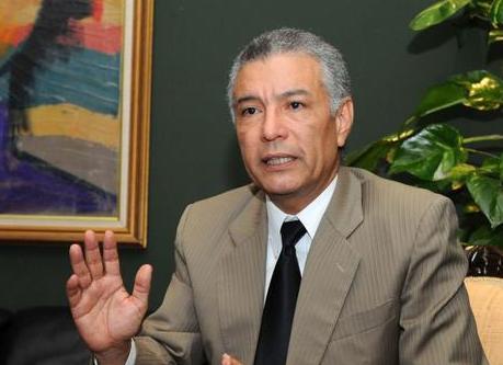 Abogado Angel Lockward sugirió a la Asociación de Bancos de la República Dominicana (ABA) la apertura de más oficinas.