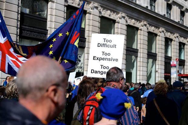 """Londres quiere un periodo de transición """"limitado"""" tras el """"brexit"""""""