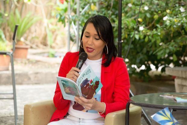 La comunicadora y productora de televisión Lorenny Solano.