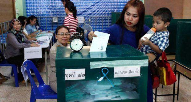 Los tailandeses acuden a votar con ilusión tras cinco años de junta militar