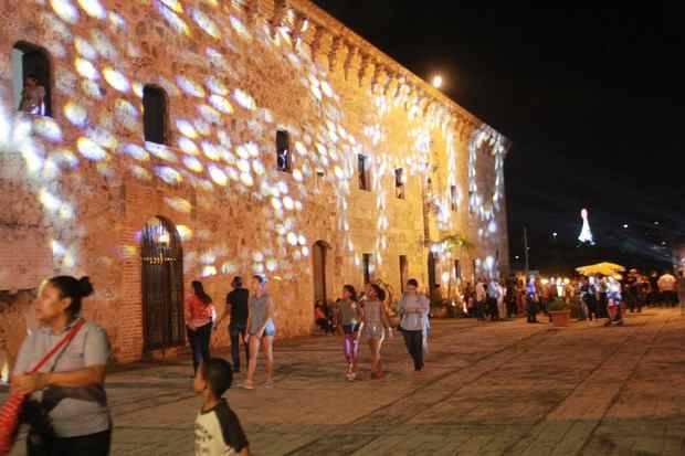 A ritmo de merengues navideños, el Ministerio de Cultura celebró con éxito la tradicional Noche Larga de los Museos