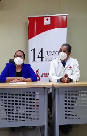 Lucrecia Rosario y Dr. César Matos .