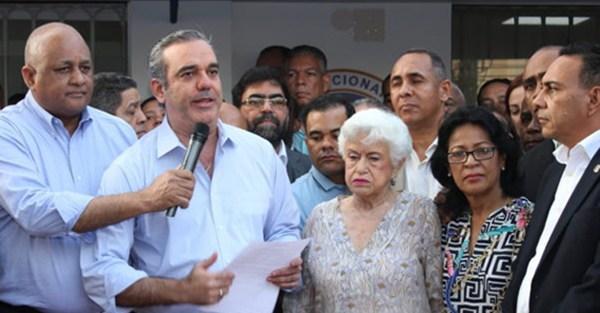 Luis Abinader convoca protesta este viernes frente al Congreso Nacional.