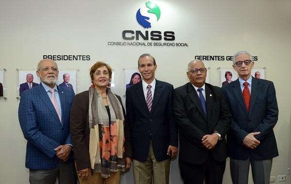 El Consejo Nacional de Seguridad Social inaugura galería de fotos de pasados funcionarios