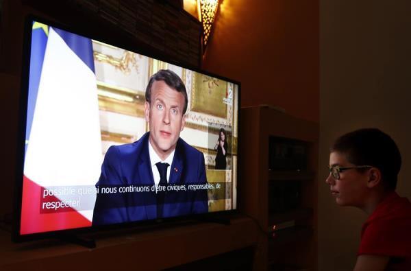 """Macron prolonga el """"confinamiento estricto"""" hasta el 11 de mayo"""
