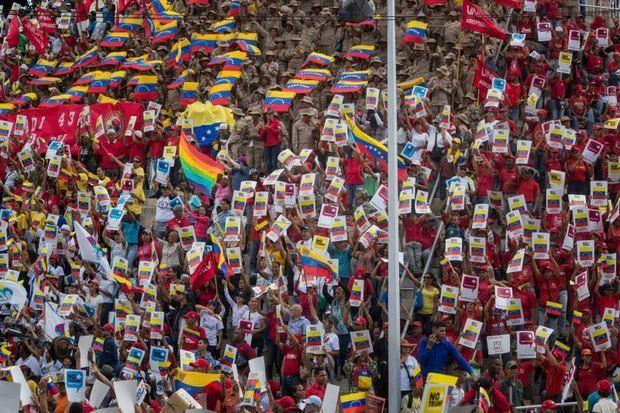 El presidente de Venezuela, Nicolás Maduro, apeló este fin de semana al fervor de sus seguidores más fieles en el marco de varias manifestaciones callejeras contra el bloqueo de bienes estatales venezolanos en Estados Unidos.
