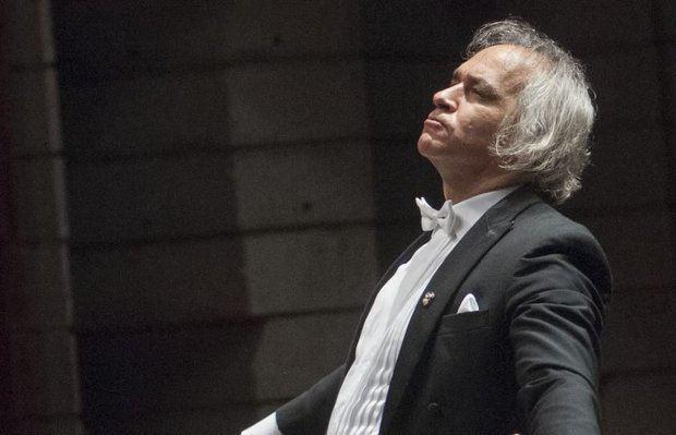 Maestro José Antonio Molina.