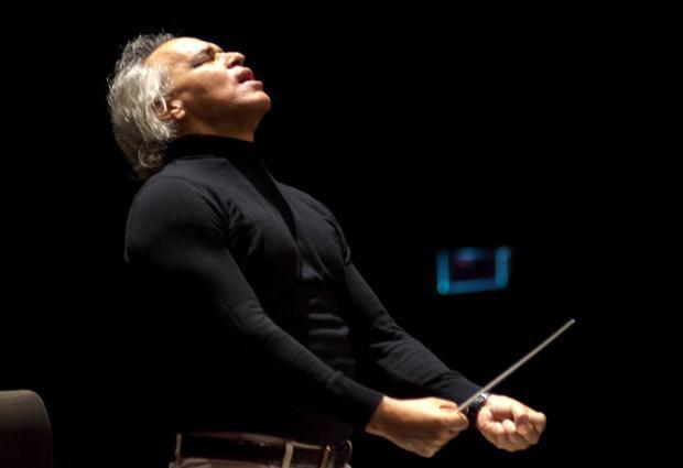 Maestro José Antonio Molina, Director Titular de la Orquesta Sinfónica Nacional.