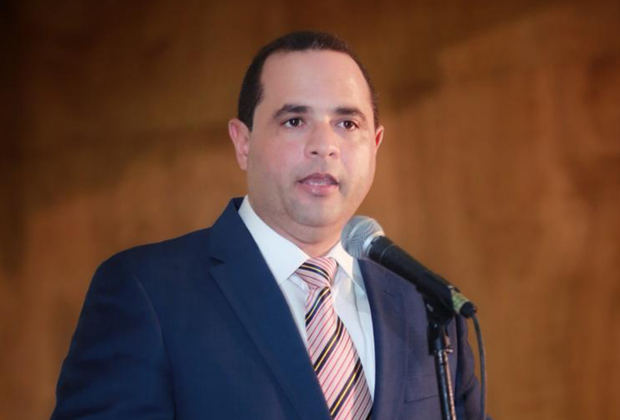 Manuel Crespo, delegado político ante la Junta Central Electoral de la FP afectado de Covid
