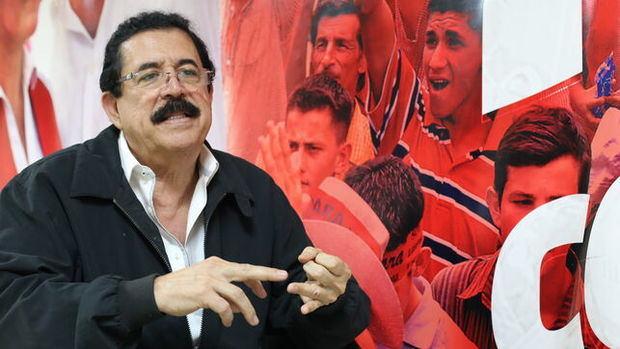 El expresidente hondureño Zelaya denuncia que lo persiguen en motos y vehículos