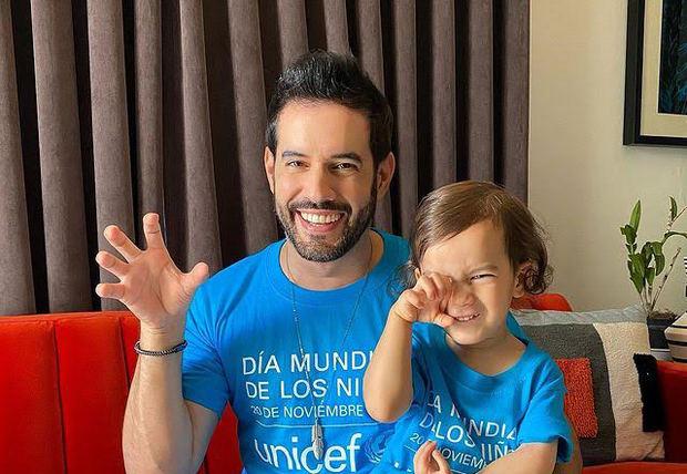 Influyentes de las redes sociales y la televisión apoyan a UNICEF vistiendo #DeAzul por la niñez