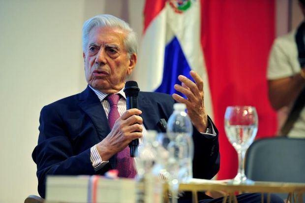 Vargas Llosa publicará