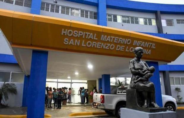 El Servicio Nacional de Salud habilitó el Hospital Materno Infantil San Lorenzo de Los Mina para brindar atención a embarazadas diagnosticadas con coronavirus.
