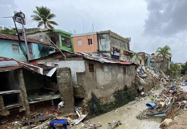 Más de mil personas evacuadas a causa de las lluvias en el país