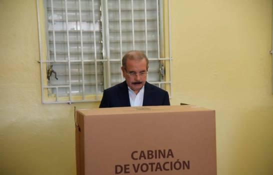 Medina subraya normalidad en elecciones y defiende medidas contra coronavirus